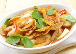 Stir-fried carpet clam with roasted chili paste recipe