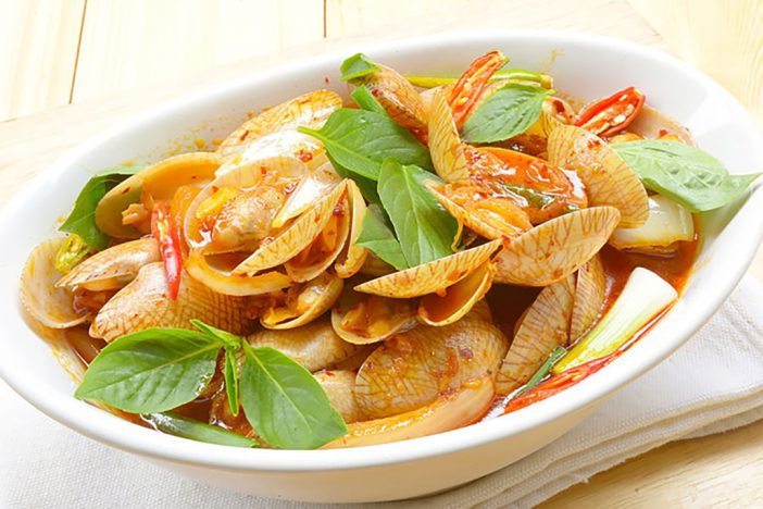 Stir-fried carpet clam with roasted chili paste